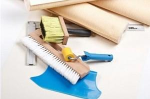 Необходимый набор инструментов для работы с виниловыми обоями