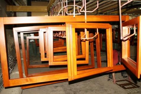 Традиции и современность: изготовление деревянных окон